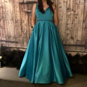Sherri Hill Size 12 Ball Gown Pageant Dress Prom